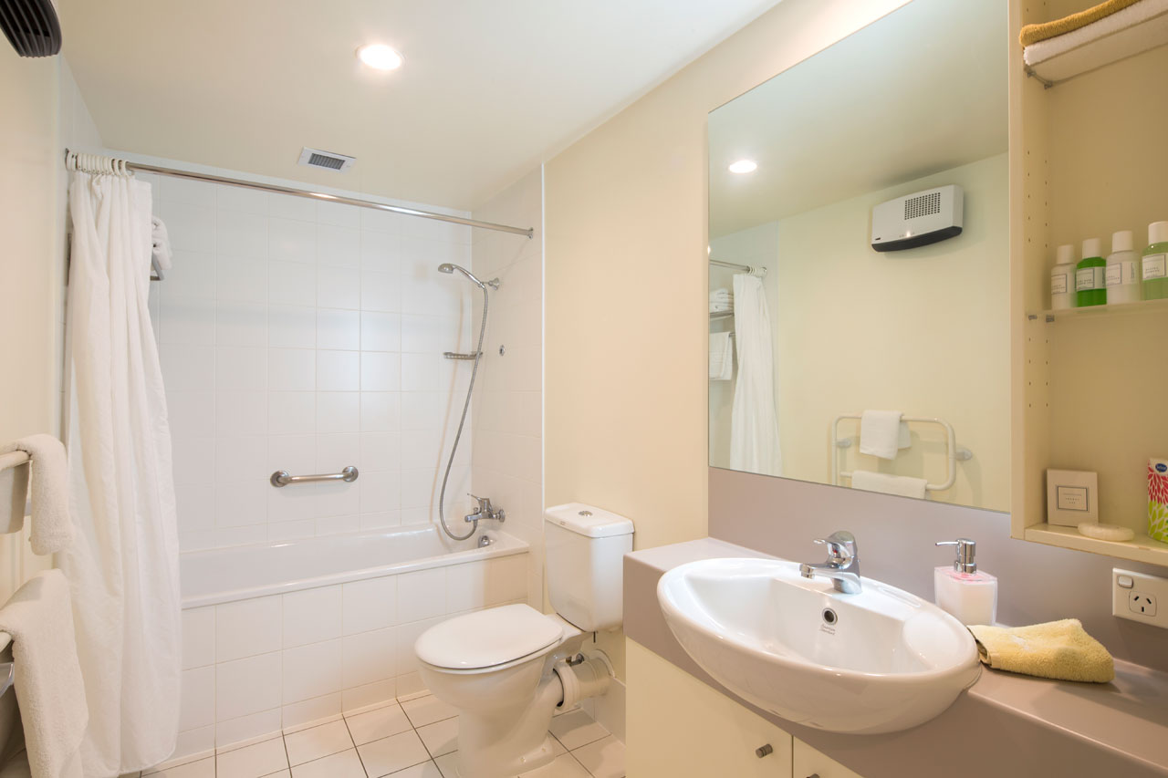 Queenstown family accommodation queenstown holiday apartments for Bathroom design ideas nz